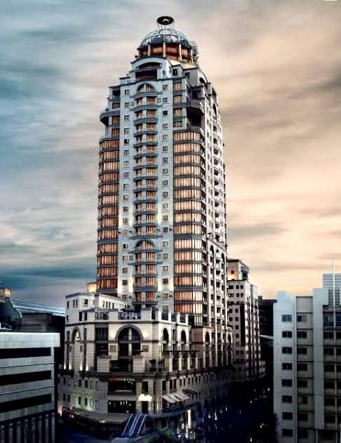 4 Bedroom Apartment For Sale in Sandton Central